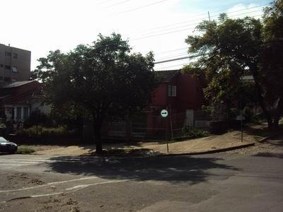 Casa para alugar no bairro Tres Figueiras, em Porto Alegre