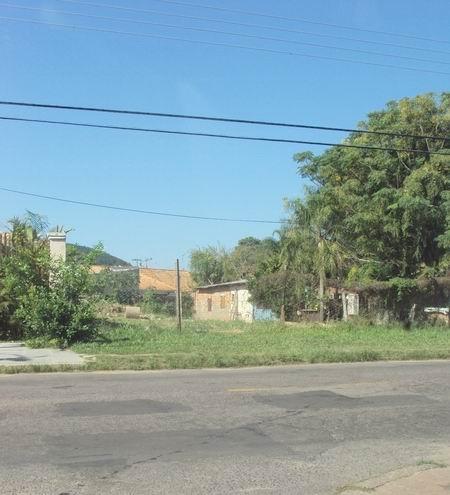 Lote/Terreno para alugar no bairro Guaruja, em Porto Alegre