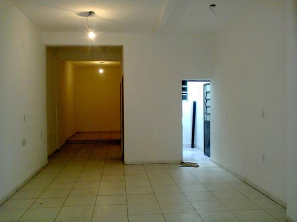 Prédio para alugar no bairro Floresta, em Porto Alegre