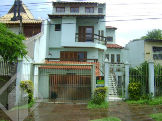 Casa 3 quartos à venda no bairro Três Figueiras, em Porto Alegre