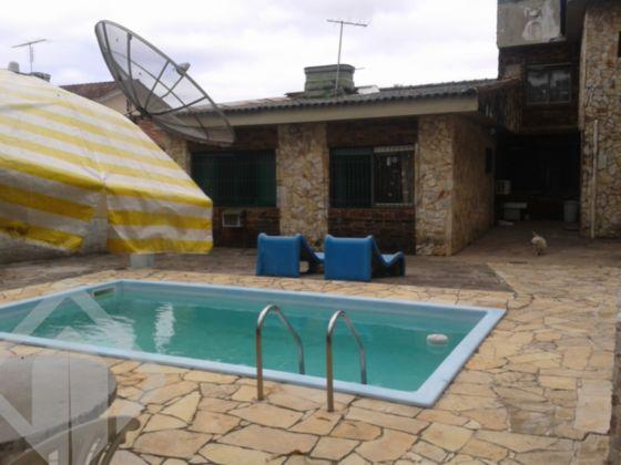 Casa, 4 dormitórios sendo 1 suíte, garagem para 04 carros lavabo, quiosque com churrasqueira, forno para pizza e fogão campeiro, à 1/5 da praia de Ipanema.