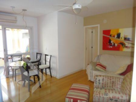 Maravilhoso apartamento com 3 dormitórios, sendo 1 suíte , banheiro auxiliar, uma vaga escriturada, sacada fechada com churrasqueira. Ficará no imóvel: Somente a cozinha.