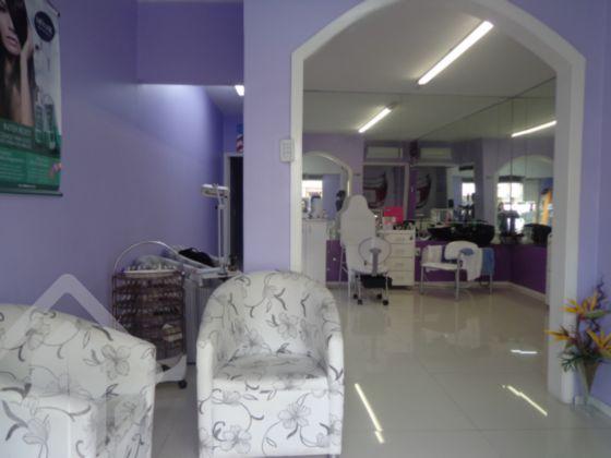 Loja em excelente localização no Bairro Rio Branco, próximo da Protásio Alves para diversos segmentos, locada, ideal para investidores, 69m² de área privativa, 2 salas amplas, cozinha e banheiro.
