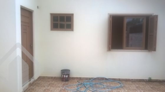Casa de 2 dormitórios à venda em Olaria, Canoas - RS