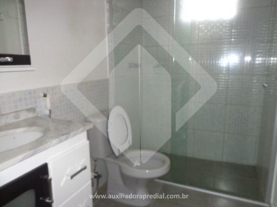 Excelente apartamento térreo com 2 dormitórios,  59,56m² privativos, living com 2 ambientes, cozinha montada, área de serviço separada, banho social e uma área externa fechada. Ótima localização entre Avenida Ipiranga e Bento Gonçalves.