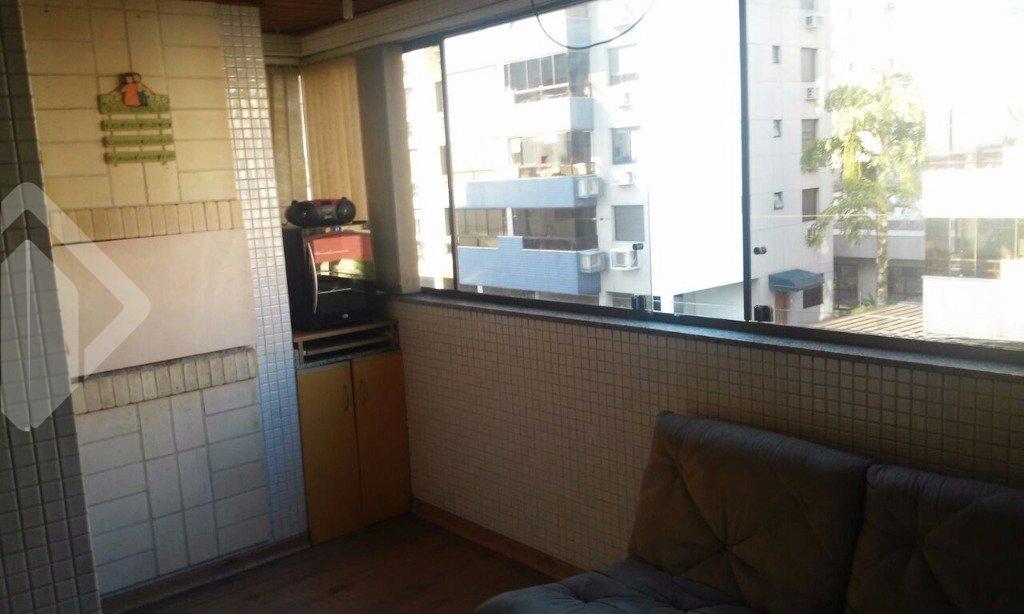 Ótimo apartamento, com teto de gesso rebaixado na sala e banheiro, sendo 02 dormitórios, 01 suíte, cozinha, bem conservado.
