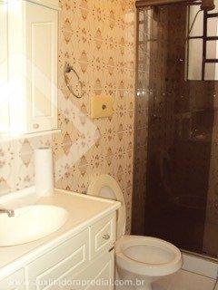 Ótimo apartamento 02 dormitórios, living, banheiro, cozinha, área de serviço, arejado, iluminado, condomínio com play e churrasqueira.