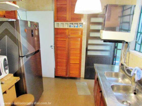 Casa de 4 dormitórios à venda em Cavalhada, Porto Alegre - RS