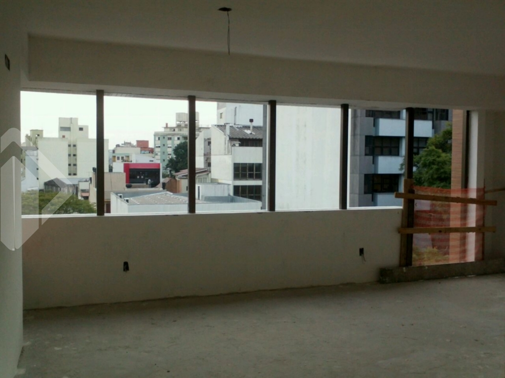 Linda sala nova, em fase de acabamento, envidraçada, muita iluminação. espaço, box escriturado.