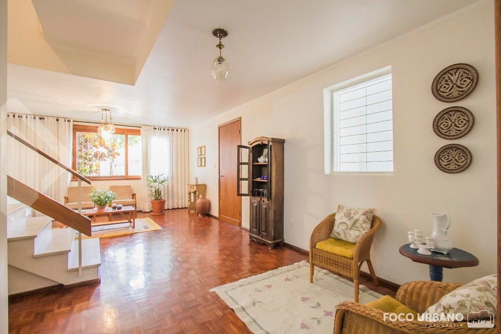 Casa de 3 dormitórios à venda em Jardim Lindóia, Porto Alegre - RS