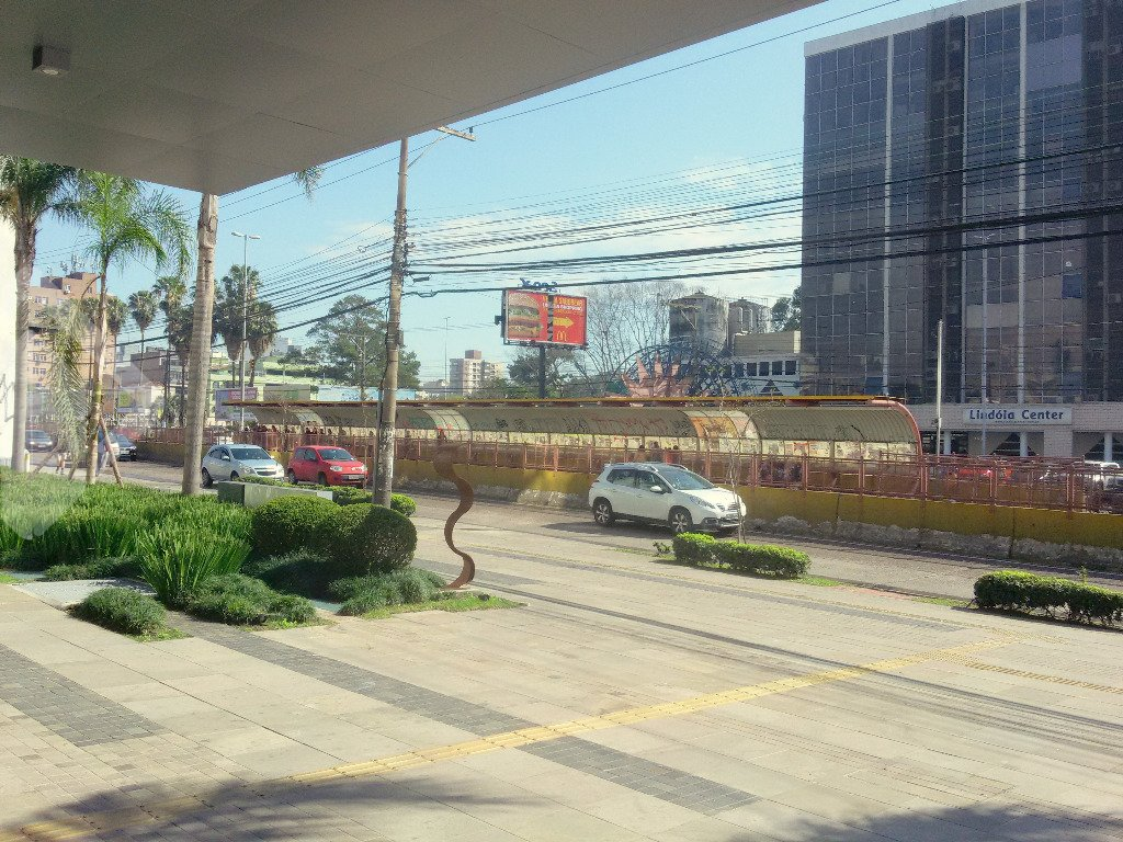 Salas/conjuntos à venda em Cristo Redentor, Porto Alegre - RS