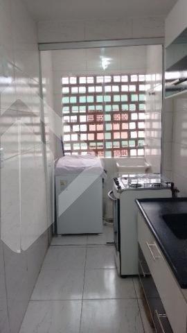 Excelente apartamento dois dormitórios, reformado (sem uso desde então) e mobiliado (armários, cozinha, banheiro, cama, mesa, sofá, estante, fogão, geladeira, escrivaninha, cadeiras, ar-condicionado),cozinha,living 2 ambientes,banho social e área de serviço, sol da tarde, ventilado/arejado, em andar alto com vista agradável, com direito a uma vaga de garagem (estacionamento rotativo) dentro de um condomínio organizado, com jardinagem e áreas de lazer como: salão de festas, salão de churrasqueiras, praça esportiva, playground, áreas verdes com bancos. Condomínio com serviço de portaria e segurança 24 horas, sete dias por semana. Localização incrível, entre as avenidas Ipiranga, Salvador França e Protásio Alves com deslocamento fácil para os principais pontos da cidade (CENTRO, PUC, UFRGS, AEROPORTO), ao lado da ESEF, a seis quadras do shopping Bourbon Ipiranga, e a cerca de 5 minutos da PUC (ônibus para na porta do condomínio).  Agende sua visita!! Também disponível pelo WhatsApp!!