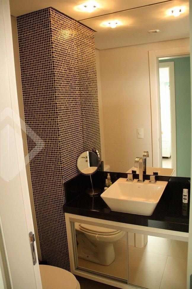 Excelente apartamento, otima localização , com moveis sob medida em todos os ambientes , dois dormitórios , sendo um com suite, e a mais completa infra estrutura. Pronto para morar.
