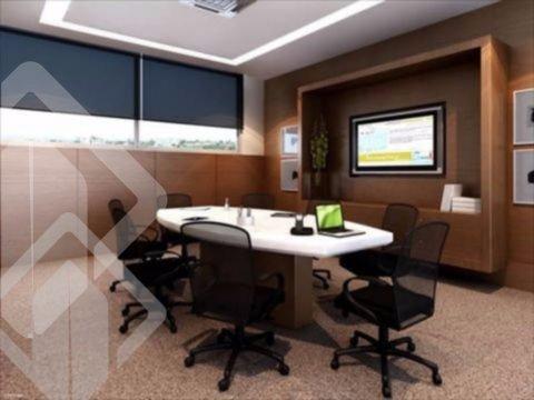 ..Sala andar alto em prédio imponente com salas de reunião ,auditório para 60 pessoas com portaria 24h,garagem.