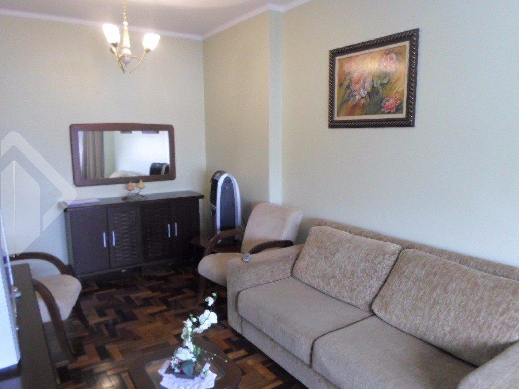 Bairro centro, apartamento 03 dormitórios, living 02 ambientes, cozinha,área de serviço,ficam todos os móveis.