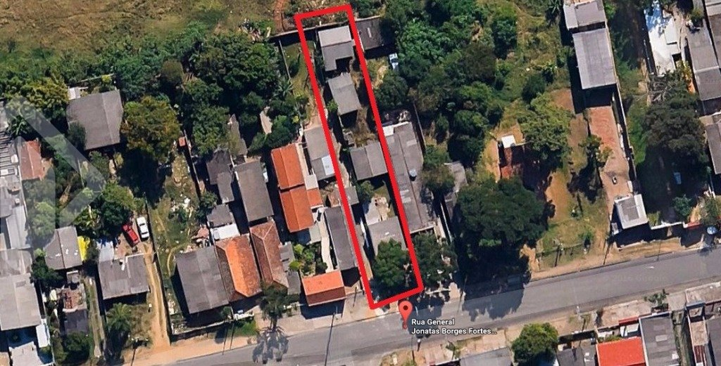 Excelente terreno medindo 7,70 x 55, localizado no bairro Glória, com ampla área para construção.  Agende sua visita com nosso corretor licenciado! Também atendemos pelo WhatsApp!