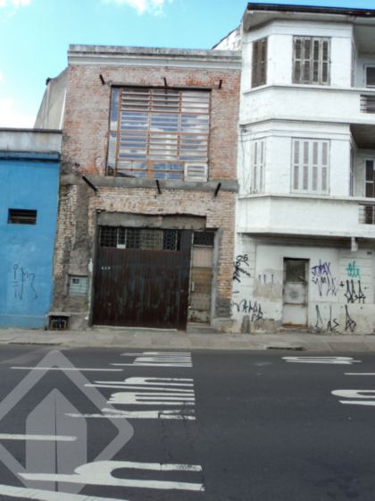Prédio à venda no bairro Floresta, em Porto Alegre