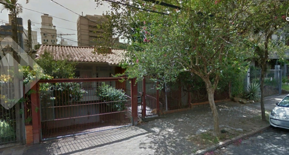 Casa de 6 dormitórios à venda em Auxiliadora, Porto Alegre - RS