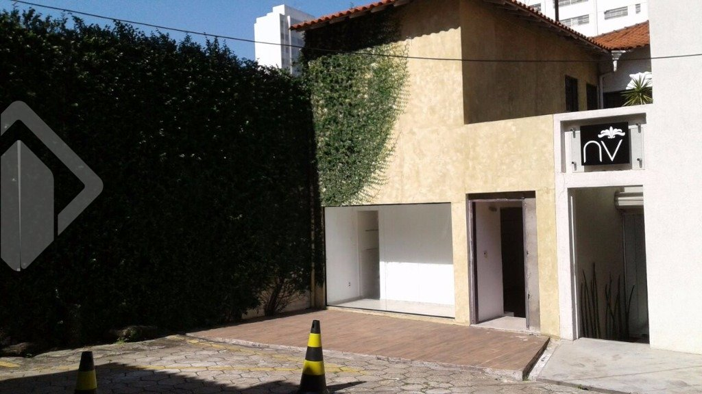 Casa comercial para alugar no bairro Cerqueira César, em São Paulo