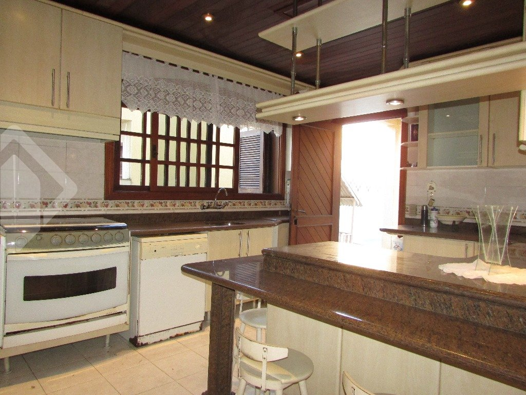 Casa de 3 dormitórios à venda em Nossa Senhora Das Graças, Canoas - RS