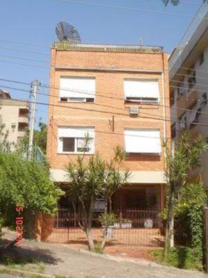 Apartamento para alugar no bairro Higienopolis, em Porto Alegre