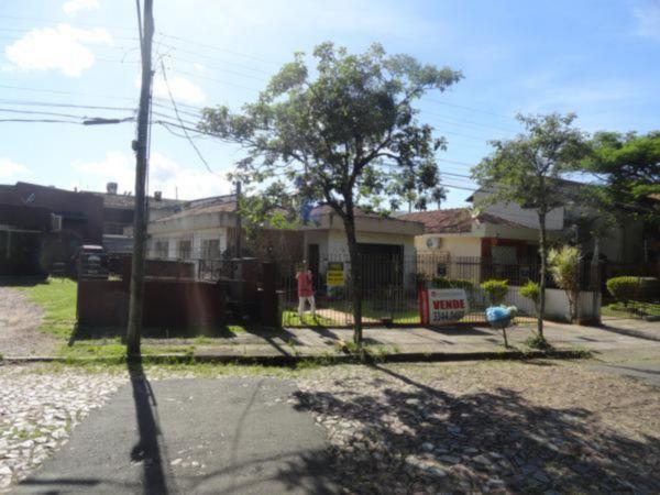 Casa 2 quartos para alugar no bairro Vila Ipiranga, em Porto Alegre