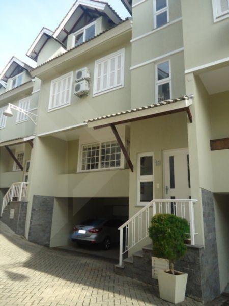 Casa em condomínio 3 quartos para alugar no bairro Vila Jardim, em Porto Alegre