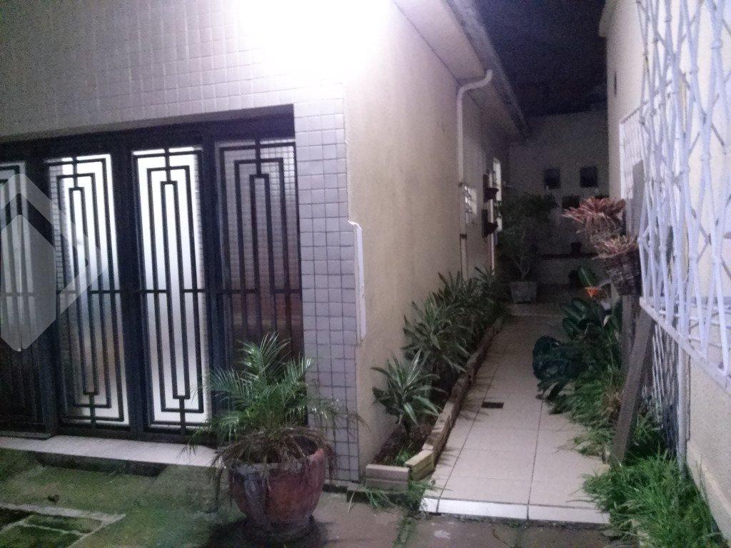 Casa 3 quartos à venda no bairro Menino Deus, em Porto Alegre