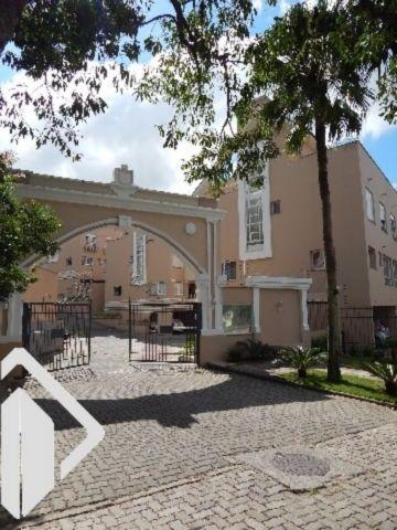 Casa 3 quartos para alugar no bairro Pedra Redonda, em Porto Alegre