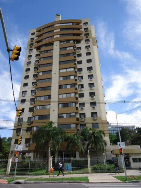 Apartamento 3 quartos para alugar no bairro Cristal, em Porto Alegre