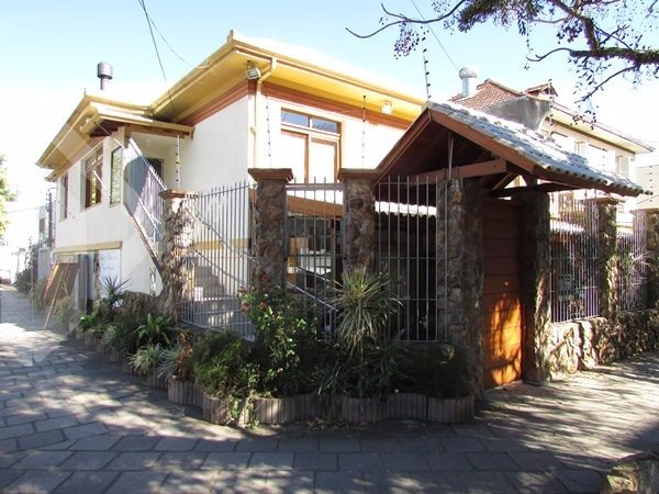 Casa comercial para alugar no bairro São Geraldo, em Porto Alegre