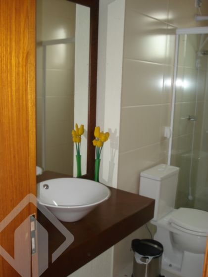 Predio Comercial de 4 dormitórios à venda em Rio Branco, Porto Alegre - RS