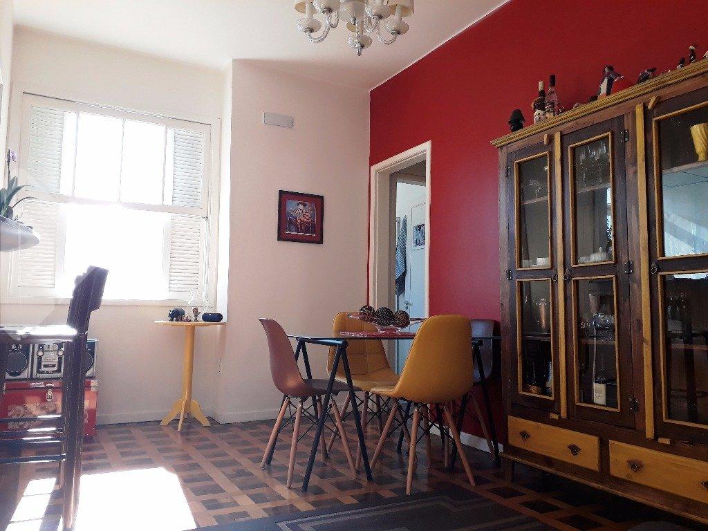 Apartamento 2 quartos à venda no bairro Santo Antônio, em Porto Alegre