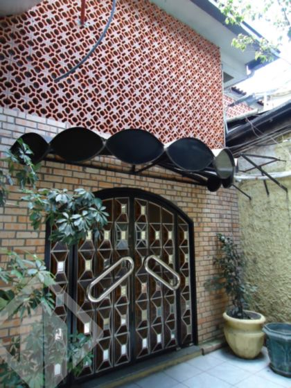 Prédio 24 quartos à venda no bairro Farrapos, em Porto Alegre