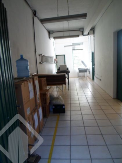 Prédio 4 quartos à venda no bairro Cavalhada, em Porto Alegre